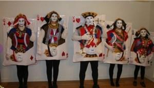 winning-hand-costumes